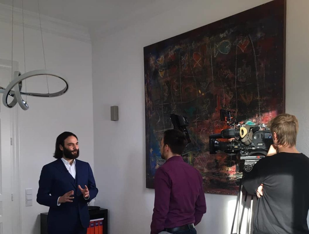 Bott im Interview: Heute Stellungnahme im WDR zur umstrittenen Aussage des NRW-Justizministers vor dem Parlamentarischen Untersuchungsausschuss in der sog. Hacking-Affäre.